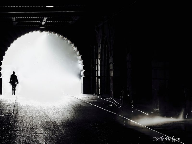 Entre obscurité et lumière by Cécile Halgan
